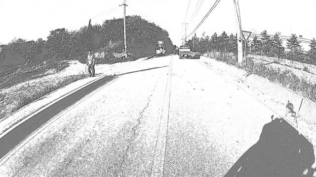 cbw0503_7_road_uphill