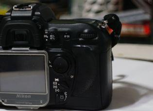 08092016_Nikon_D200_rubber_grip1